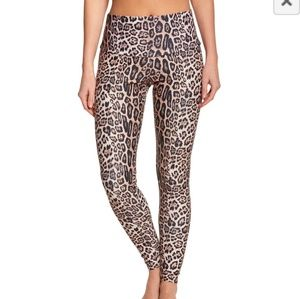 NWT - Onzie -  High Rise Legging - Leopard